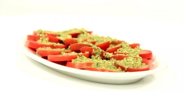 Photo of طريقة عمل  سلطة الطماطم بالثوم